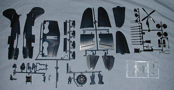 monogram 1  48 sb2c helldiver